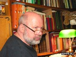 Зав. лабораторией д.б.н., профессор Олег Владимирович Игнатов