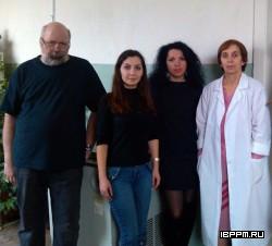 Коллектив лаборатории (слева направо): зав. лабораторией д.б.н., профессор О.В.Игнатов, младший научный сотрудник, к.б.н. О.А. Караваева, ведущий научный сотрудник, д.б.н. О.И. Гулий, ведущий инженер Л.Н. Маркина